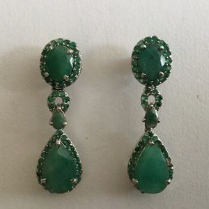 Legit Emerald and silver earring.